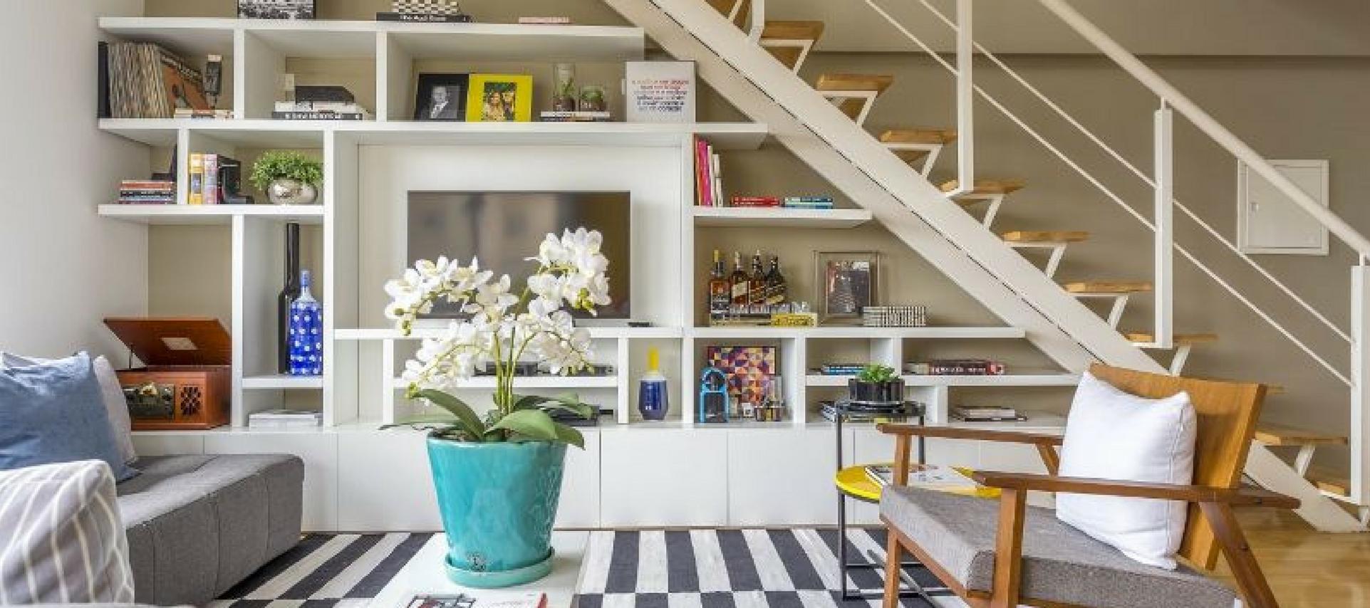 Móveis embaixo da escada – aproveitando espaço!